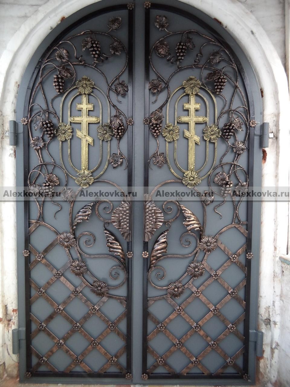 кованые железные двери для храма